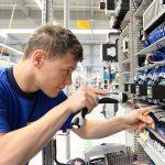 Ingenieur in Automatisierungsprojekten